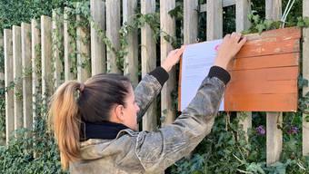 Freiwilligenhilfe, wie hier in Baden, läuft auch in Olten über das Anbringen von Plakate, um auch solche zu erreichen, die das Internet nicht benutzen.
