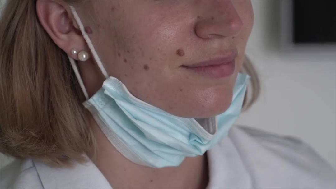 So verwenden Sie die Hygienemaske richtig und deshalb sollte man sie nicht unters Kinn klemmen