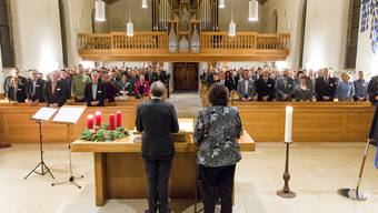 Vereidigung in der Kirche: Regierungsrat Urs Hofmann und Yvonne Reichlin, Leiterin Gemeindeabteilung, nehmen die Gemeinderäte in Pflicht. Severin Bigler