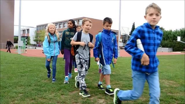 Impressionen vom Solidaritätsmarsch der Würenloser Schulkinder