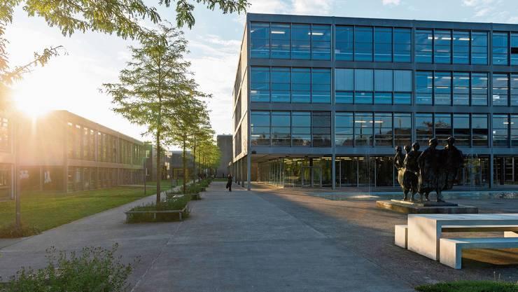 Unter Denkmalschutz: Der Kanti-Campus von Fritz Haller aus den Sechzigerjahren soll mit einem Neubau ergänzt werden.
