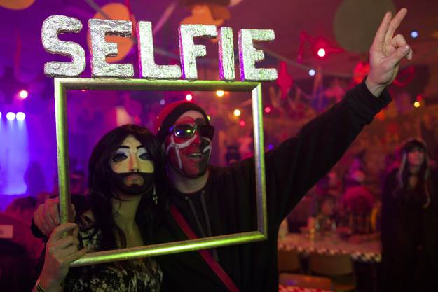 Wenn die Diva zum Selfie einlädt, ist das niemandem Wurst