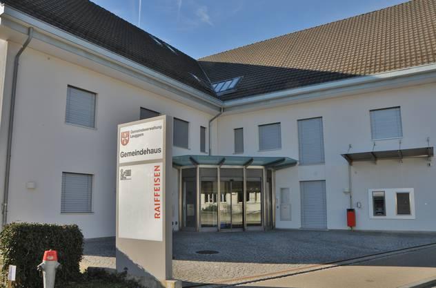 Der Hauptsitz der Raiffeisenbank Aare-Rhein in Leuggern wird zu einer Beraterbank umgebaut.