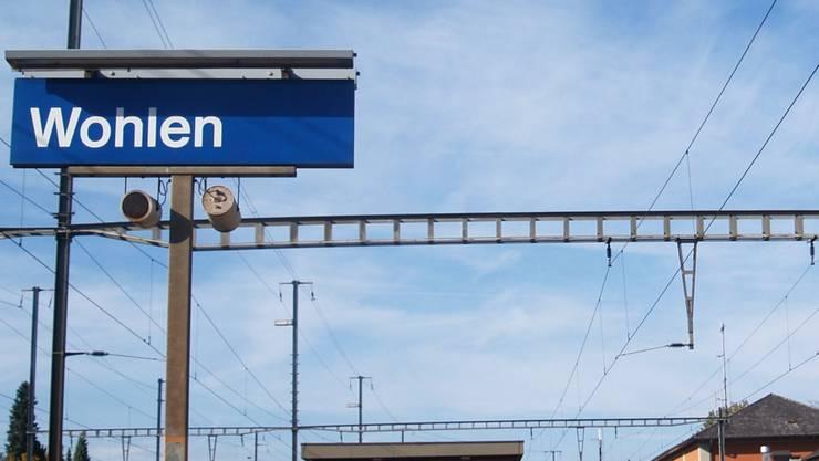 Der Mittelperron des Bahnhofs Wohlen soll modernisiert werden. aw