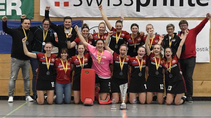 Die Frauen von Rotweiss Wettingen bejubeln den 14. Meistertitel in Serie.