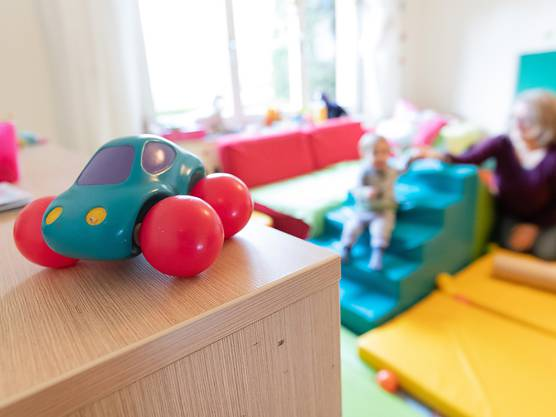 Die Initiative der Basler SP fordert, dass die familienergänzende Kinderbetreuung über Steuern finanziert wird. (Themenbild)