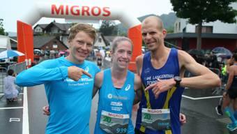Martina Strähl mit Ehrenstarter Adrian Lehmann (l.) und Fabian Kuert (r.).