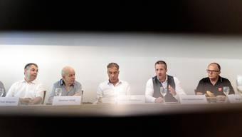 Fordern Taten statt Lippenbekenntnisse (v.l.): Urban Fink, Stephan Wild, Rémy Wyssmann, Urs Unterlerchner und Beat Bader vom Komitee «Jetz si mir draa» für eine Senkung der Steuern für mittlere und tiefe Einkommen.