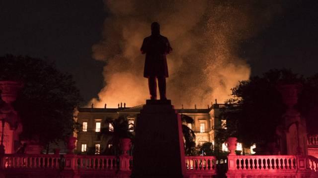 Brasilianisches Nationalmuseum brennt ab