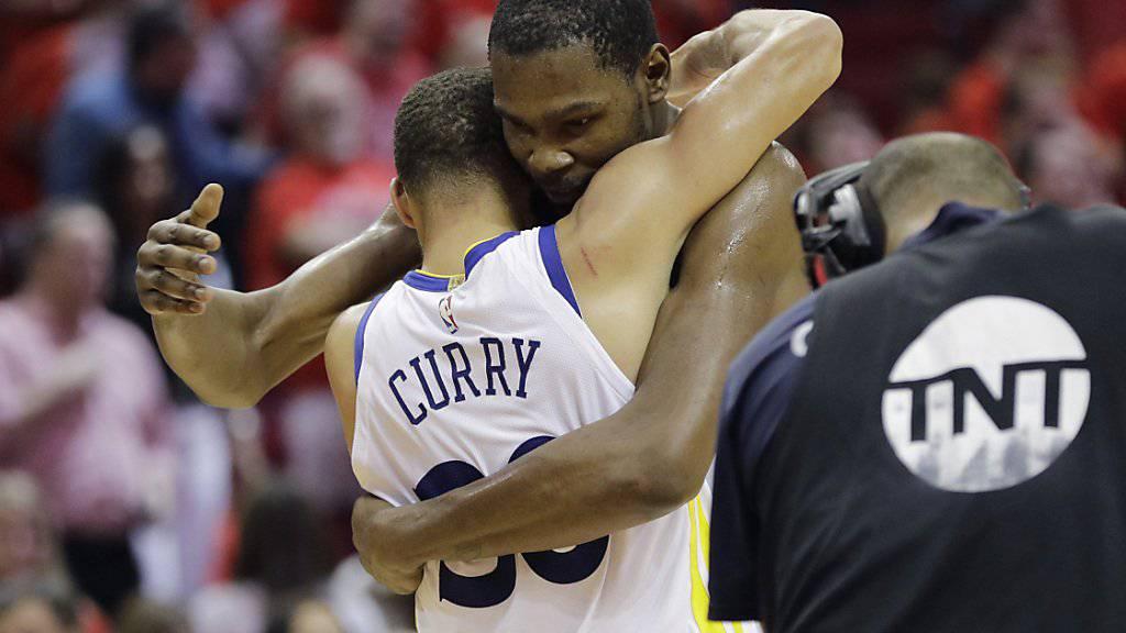 Schafften mit den Golden State Warriors die Wende in der Halbfinal-Serie gegen Houston: die Superstars Kevin Durant und Stephen Curry