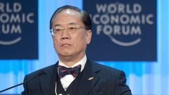 Donald Tsang ruft am WEF zum Handeln auf