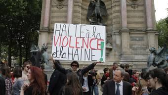 Demonstranten gedenken des getöteten Antifa-Aktivisten (Archiv)