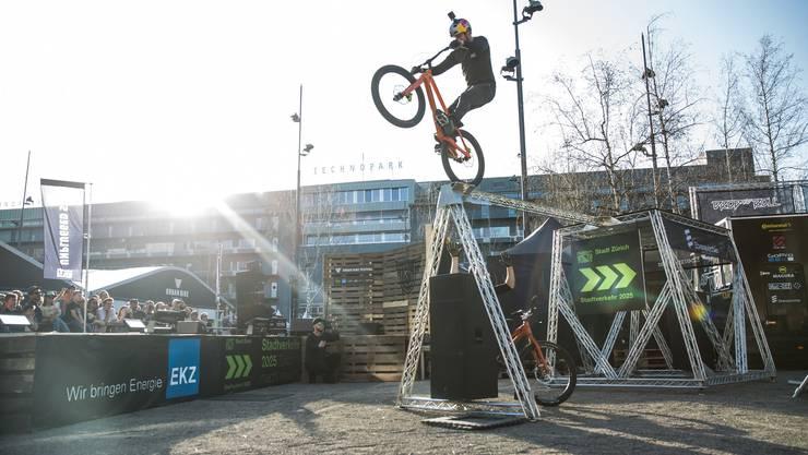 Das Urban-Bike-Festival wartet mit Showblöcken auf – und mit einem Sicherheitsparcours.