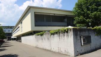 Der Kauf der Liegenschaft Husmatt 7/9 ist als Schulraumreserve in Dättwil aus strategischen Gründen erfolgt. -rr-