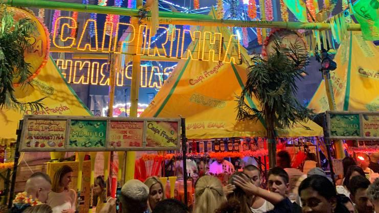 Eine Caipirinha-Bar am Caliente.