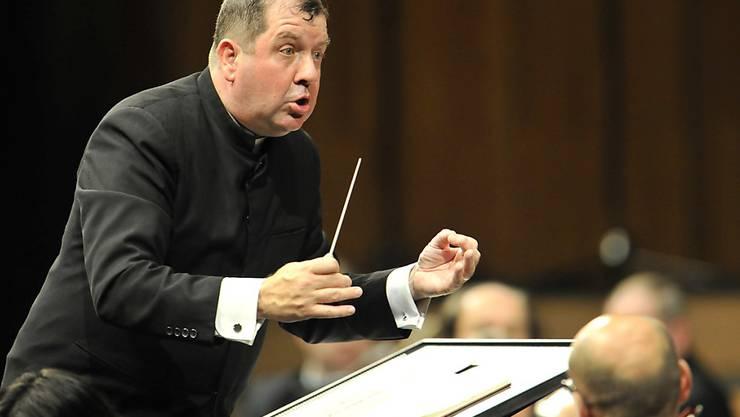 Ivor Bolton wird neuer Chefdirigent des Sinfonieorchesters Basel. Unser Archivbild zeigt ihn 2010 mit dem Mozarteumorchester in Salzburg, das er seit 2004 leitet.