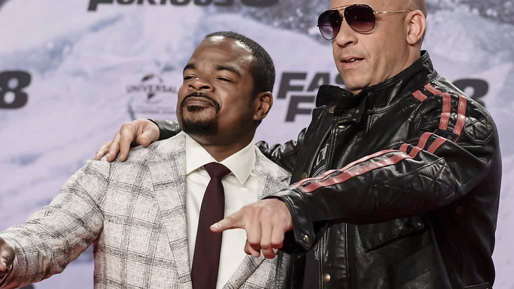 Der Regisseur F. Gary Gray (links) wird mit einem Hollywood-Sternchen geehrt. (Archivbild)