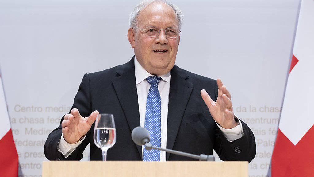 Kritik und Lob an Schneider-Ammann