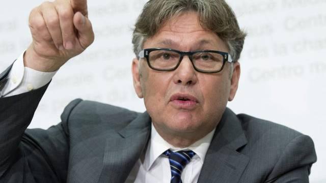 Datenschützer Hanspeter Thür fordert strengere Kontrollen (Archiv)