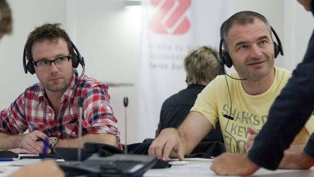 Promis am Spendentelefon: Nik Hartmann und Stephane Chapuisat