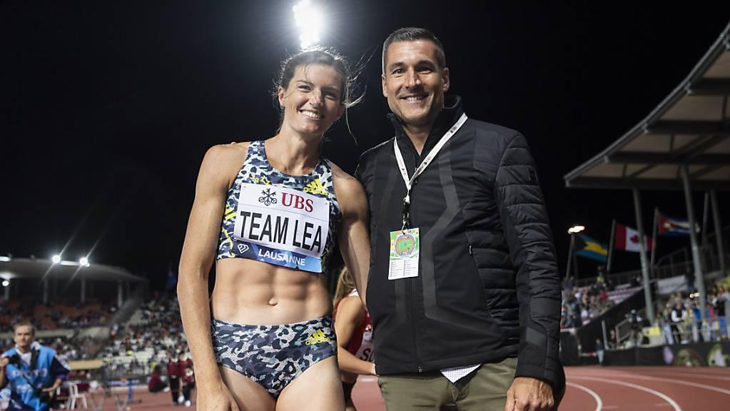 Léa Sprunger mit ihrem Trainer Laurent Meuwly