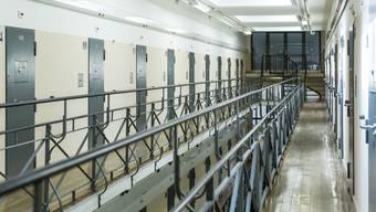 Ein Eritreer soll in der JVA Lenzburg seinen Zellennachbarn niedergestochen haben.