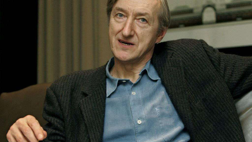 Der britische Schriftsteller Julian Barnes ist mit dem diesjährigen Siegfried-Lenz-Preis ausgezeichnet worden. (Archivbild)