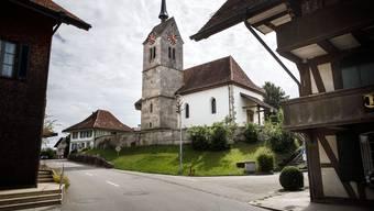 Viertelstündlich läuten die  Kirchenglocken in Messen.
