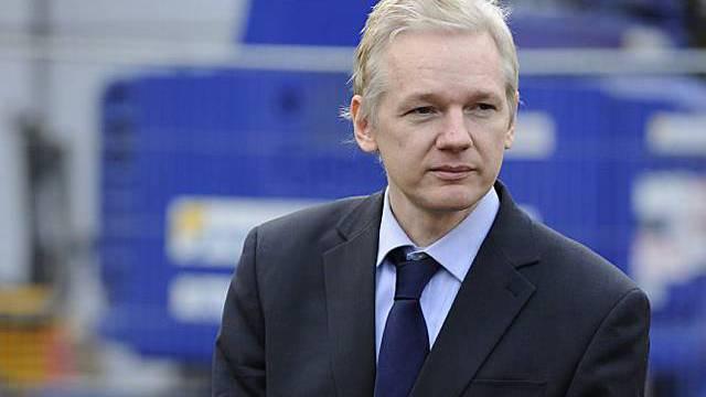 Julian Assange vor einem weiteren Gerichtstermin in London
