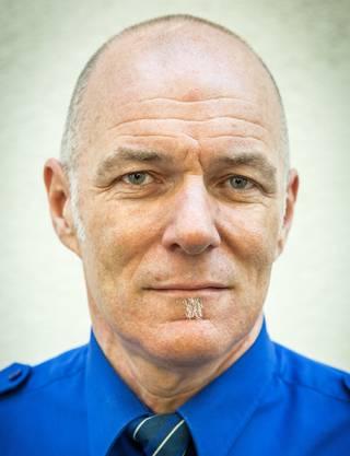 Ferdinand Bürgi (57) ist seit 2007 Chef der Regionalpolizei Lenzburg. Er ist verheiratet, Vater von zwei erwachsenen Söhnen und wohnt in Gränichen. Bürgi war zuvor Einsatzleiter bei der Mobilien Einsatzpolizei in Schafisheim. (str)