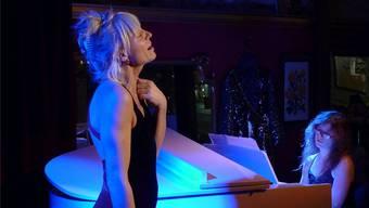 Die Künstlerfrau Stella Palino starte mit ihrer «Hommage an Edith Piaf» in der «Unvermeidbar» die Theatersaison.