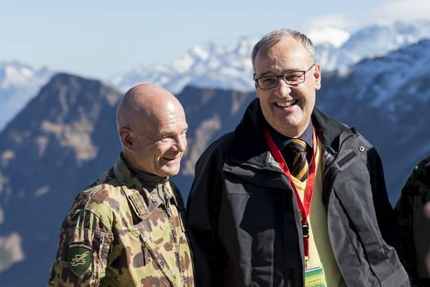Bernhard Müller wurde vom damaligen Verteidigungs- und heutigen Wirtschaftsminister Guy Parmelin an die Spitze der Luftwaffe befördert.