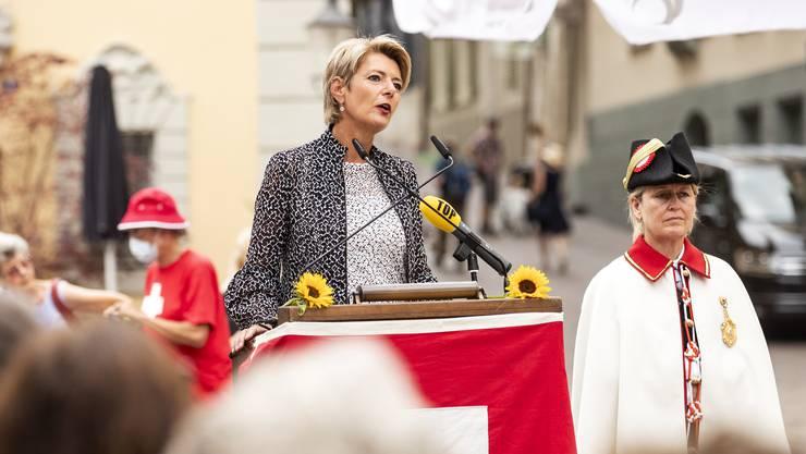 """In Hinblick auf die Abstimmungen vom 27. September seien """"Entscheide mit Augenmass"""" gefragt, so Karin Keller-Sutter in ihrer 1. August-Rede in Schaffhausen."""