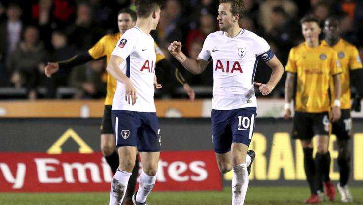 Tottenhams Captain Harry Kane (10) verhinderte die totale Blamage