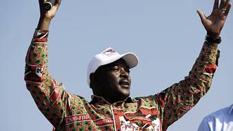 Nkurunziza tritt trotz massiver Proteste zur Wiederwahl an (Archiv)