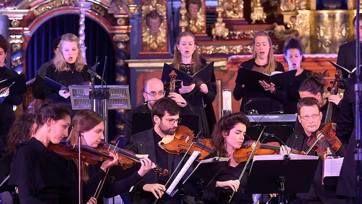Chor und Barockorchester der Accademia Barocca Lucernensis spielten Bach am Samstagabend mit viel Dynamik.