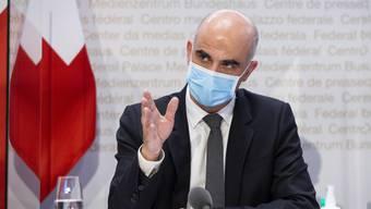 Alain Berset will den Kampf gegen die Virus-Mutationen aus Grossbritannien und Brasilien intensivieren.