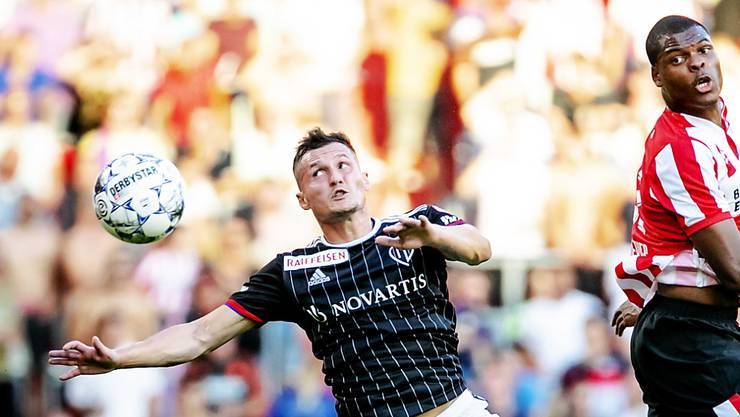 Taulant Xhaka kämpft mit seinem FCB erneut gegen Denzel Dumfries und die PSV Eindhoven. Mit Wille und Leidenschaft will der FCB das 2:3 aus dem Rückspiel drehen.