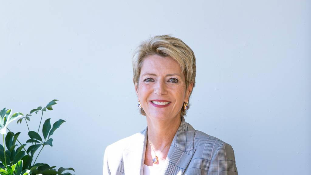 Zieht für den Bundesrat in den Abstimmungskampf gegen die Konzerninitiative: Justizministerin Karin Keller-Sutter. (Archivbild)