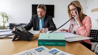 Das Steuertelefon lief heiss: Pausenlos gaben die Experten Daniel Siegenthaler und Flavia Bacchetta Geissler Auskunft auf teilweise heikle Steuerfragen unserer Leser und Leserinnen.