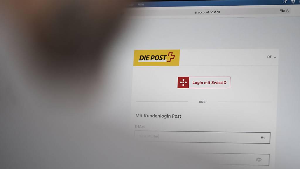 Um die E-ID mehrheitsfähig zu machen in der Bevölkerung, startet der Bund eine öffentliche Konsultation. (Themenbild)