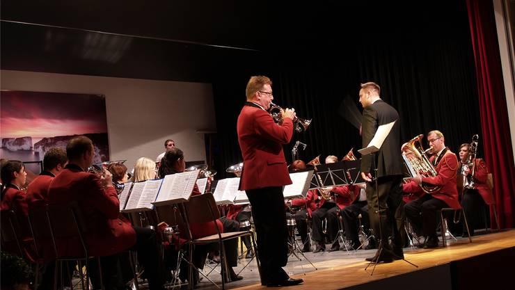 Jürg Syfrig bei seinem Solo – er hat selbst bei der Bournemouth Concert Brass gespielt und seine englischen Freunde nach Mühlau gelockt. wkw