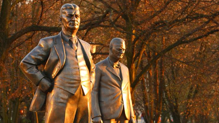 Statuen von Tomas und Jan Antonin Bata in Zlin.
