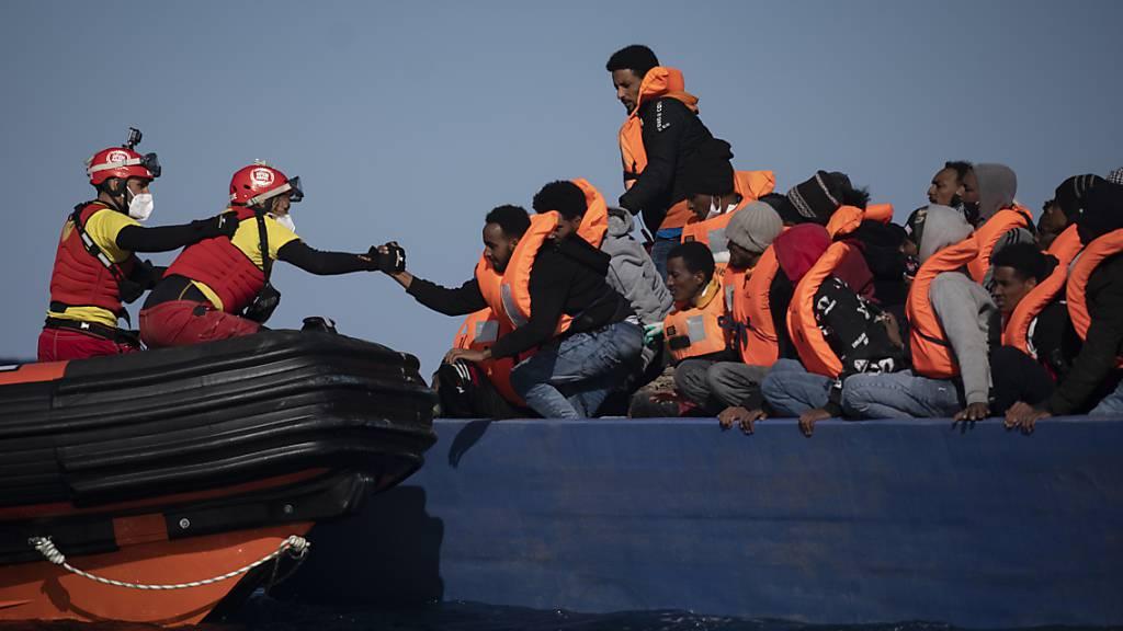 «Open Arms» darf Bootsmigranten nach Sizilien bringen