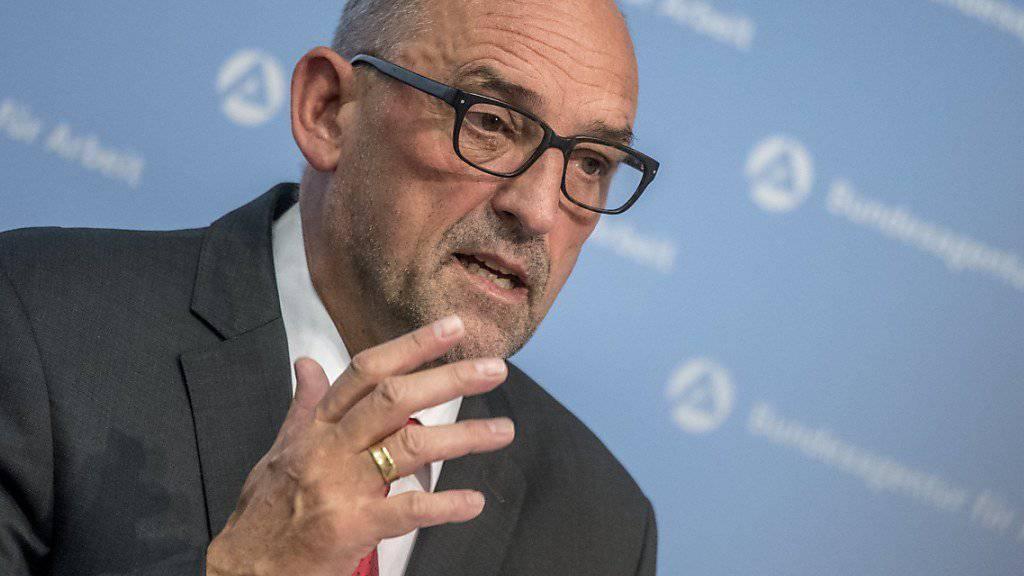 Detlef Scheele, Chef der deutschen Bundesagentur, bewertet die neuesten Arbeitslosenzahlen trotz Anstieg als nicht dramatisch. (Archiv)
