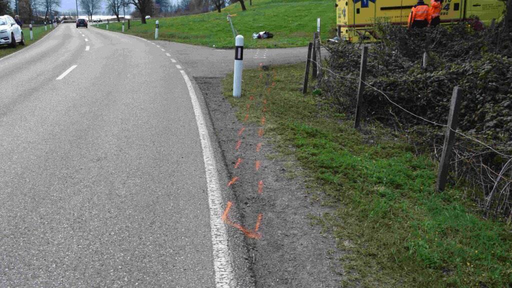 Die Unfallstelle liegt an der Strasse zwischen Schmerikon und Rapperswil-Jona.