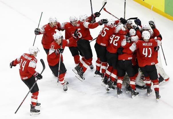 Die Schweizer stehen nach dem 3:2 gegen Kanada im WM-Final gegen Schweden.