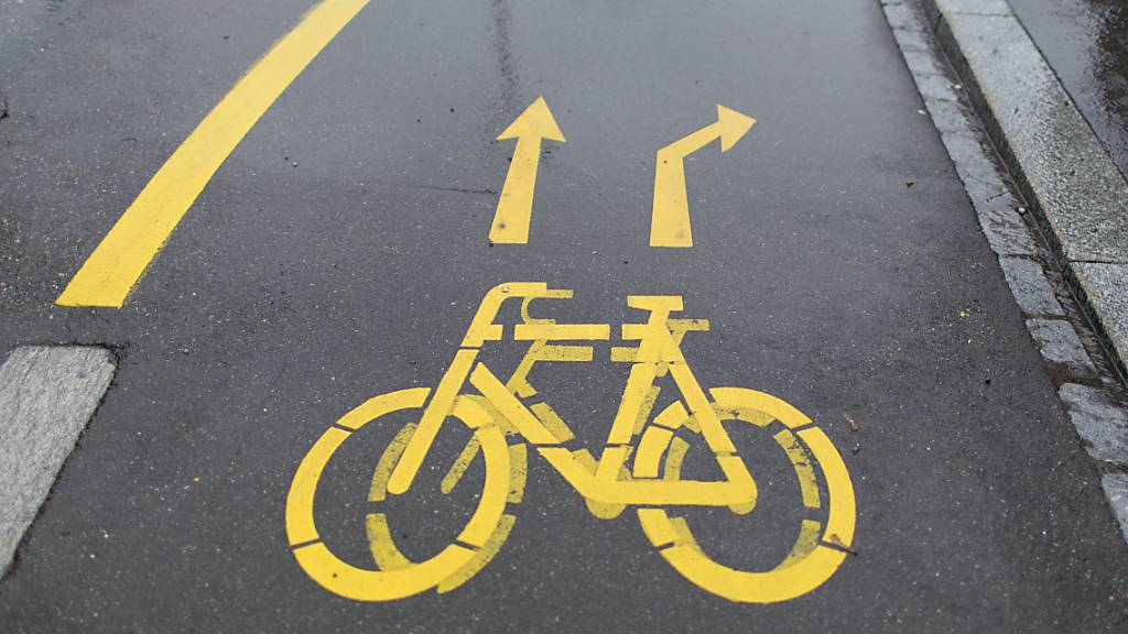 Velofahrer zwischen Oberdorf und Dallenwil sollen einen neuen Radweg erhalten. (Symbolbild)