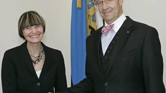 Bundesrätin Calmy-Rey trifft Estlands Präsidenten Toomas Hendrik Ilves