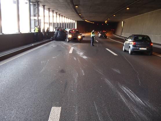 Nach einer Stunde konnten alle drei Spuren wieder für den Verkehr freigegeben werden.